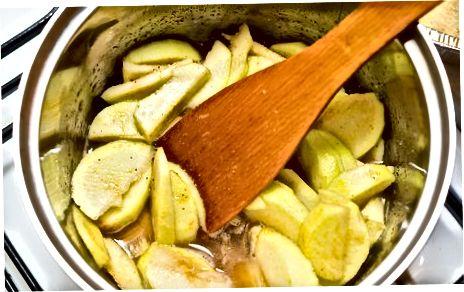Obuolių pyrago užpildas konservavimui ar užšaldymui