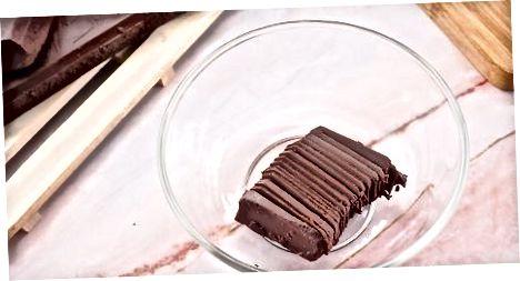 Plaukų džiovintuvo naudojimas, norint išlydyti šokoladą