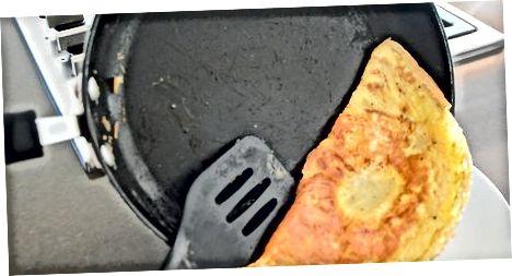 एक पनीर आमलेट खाना बनाना