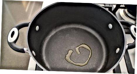 Kana nuudlisupi valmistamine