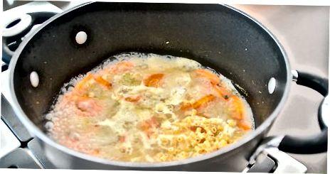 ძირითადი ქათმის Noodle სუპის დამზადება