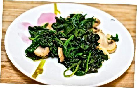 Сочни шпинат са печуркама
