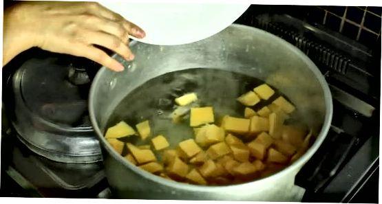 Preparando o recheio de torta
