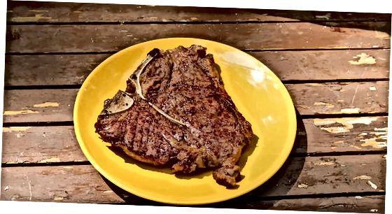 Biftekni panjara qilish va ko'rish