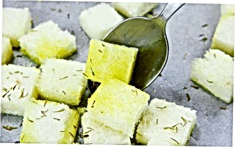 Croutons de ervas tostadas no forno (sem glúten)