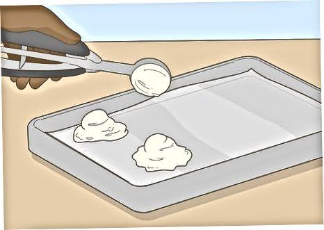 הכנת גלידה מיובשת דמוי קפוא