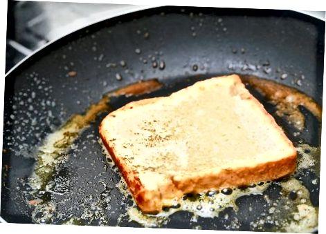 Рыхтуем французскі тост (смажаны хлеб у яйцы, кляр)