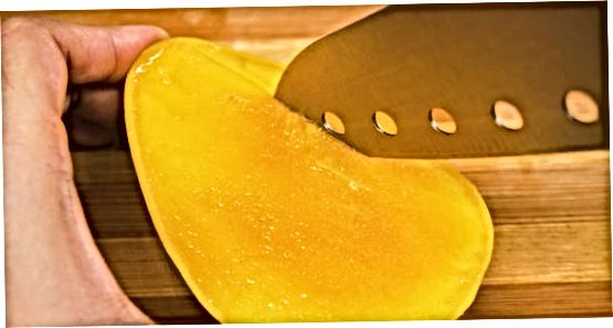 Oma mango viilutamine
