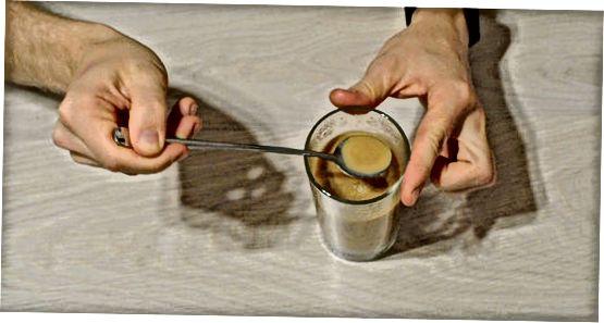 Geriame vietnamietišką kavą
