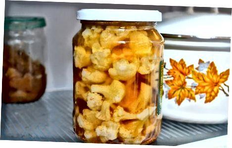Pirmasis metodas: Šaldytuve marinuoti agurkai