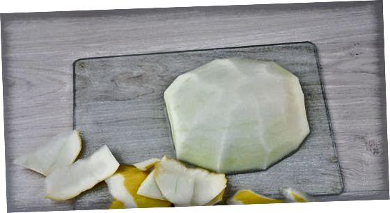 メロンの半分を立方体に切る