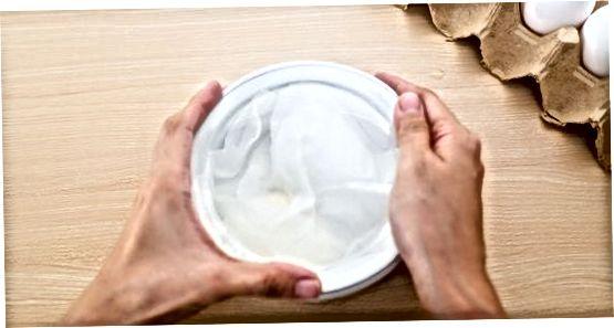 جوشاندن تخم مرغ ها در اجاق گاز