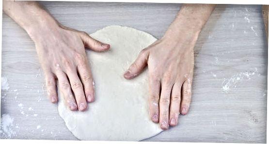 Tešlos minkymas ir formavimas