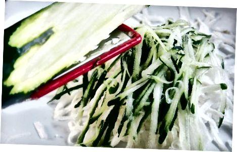 Pagrindinės Zoodle salotos gaminimas