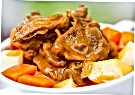 Sığır eti ile Macar gulaş