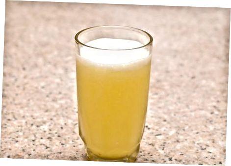 Зрабіць свежы ананасавы сок у блендере