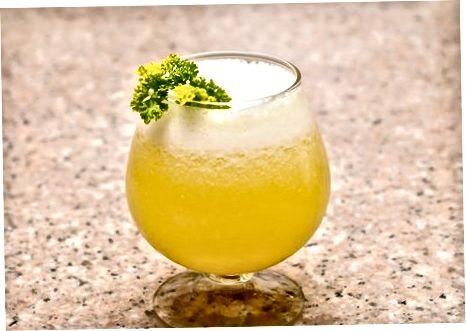 Kūrybinių ananasų sulčių gėrimų gaminimas