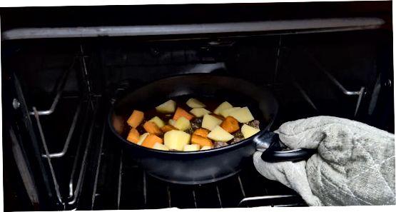 Naredite pečenko iz govejega lonca