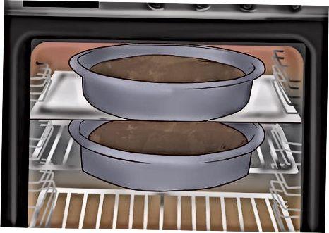 Mit Stiefmütterchen einen Schokoladen-Dirt-Kuchen machen