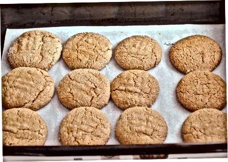 Asse e sirva os biscoitos