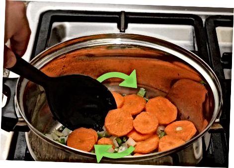 Kuhanje zelenjavne juhe, ki je ostala, z juho