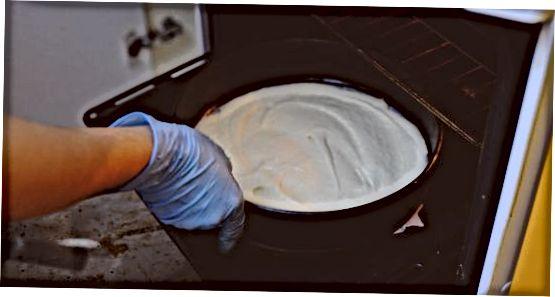 Pyrago sluoksnių kepimas ir aušinimas