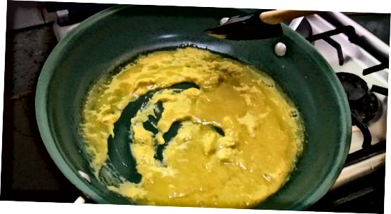 ფუმფულა Scrambled კვერცხების დამზადება