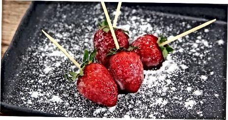 תות שדה זגוגיים
