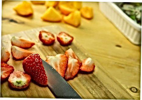 Sallatë frutash e shpejtë dhe e thjeshtë