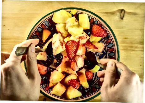 Sitrus-asal bilan kiyinadigan mevali salat