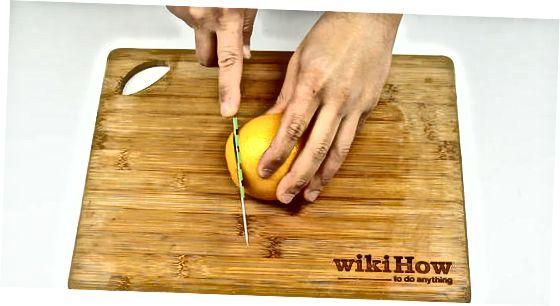 Pitni olib tashlash uchun qaynatilgan apelsin