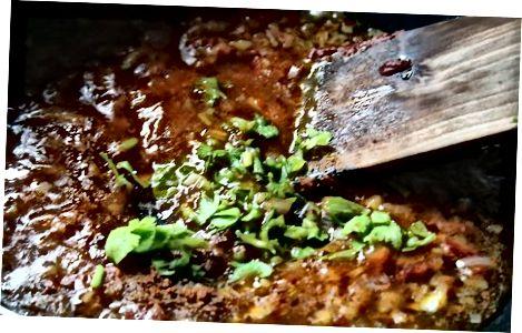 Spicy Thai Coconut Curry Sauce maken