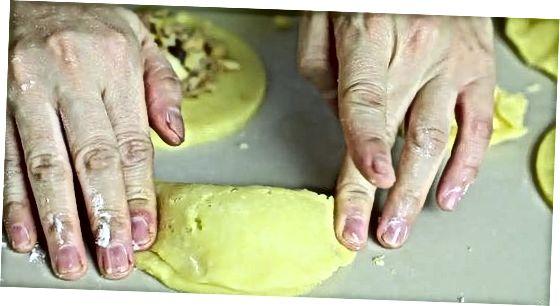 Empanadaiden valmistelu ja paistaminen
