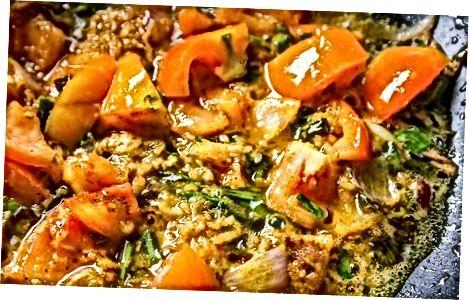 Indiase tomatencurrysaus maken