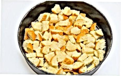 Pishirilgan Eggnog va Fruitcake pishloq