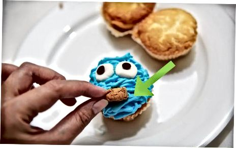 Koekjesmonster Cupcakes maken met Piped Fur