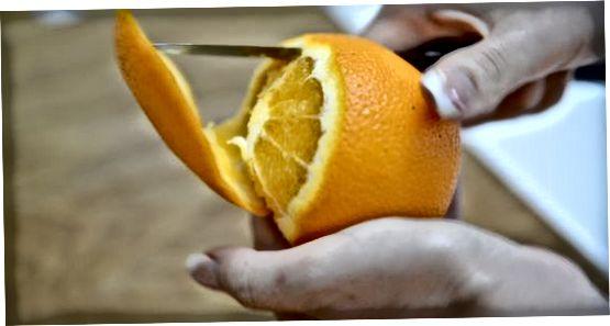 Frisches Obst auswählen und schneiden