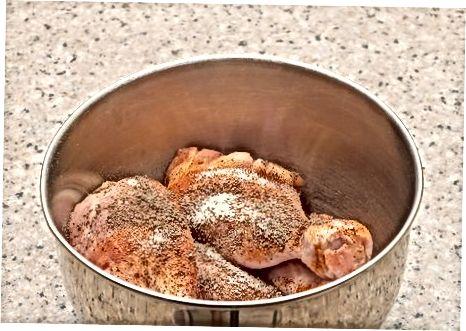 מכינים עוף מטוגן בתנור חלב עם פנקו
