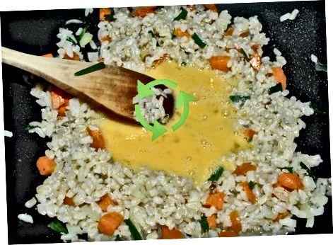 Geräucherten Tofu-gebratenen Reis zubereiten