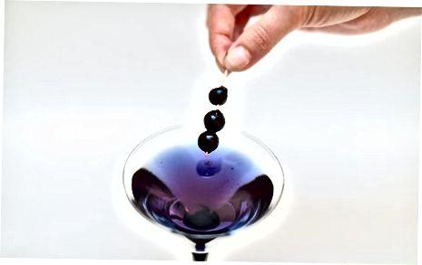 Martinini Blueberry likyor bilan aralashtirish