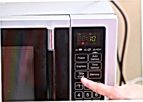 Segrevanje v mikrovalovni pečici