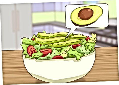 कमी कोलेस्ट्रॉल हिरव्या भाज्यांसह आपली कोशिंबीर बनविणे