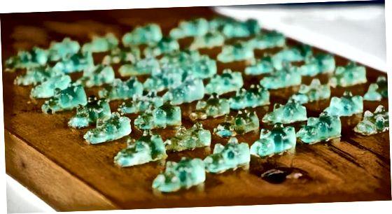 Veganistische CBD-olie-gummies maken op het fornuis