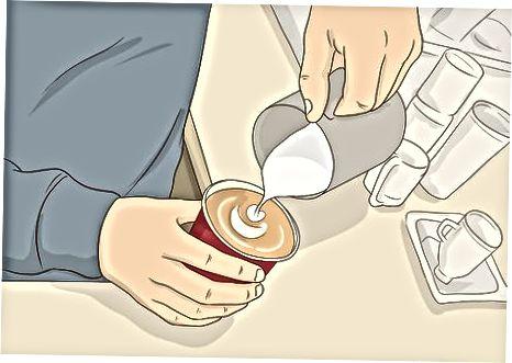 """Kavos užsakymas """"Tim Hortons"""" vietoje"""