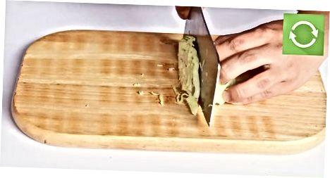 Tæta skal salat og hvítkál með höndunum