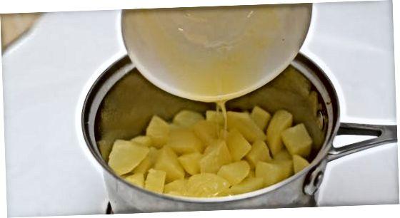 Bulvių košės šoninis patiekalas dviems