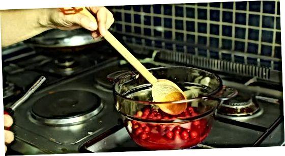 Asosiy kızılcık sosu