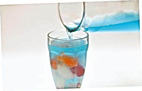 הכנת משקה של דגים ללא אלכוהול