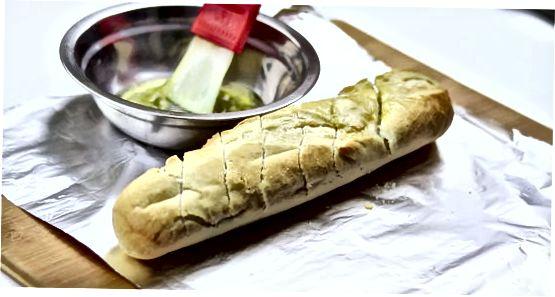 大蒜面包和橄榄油