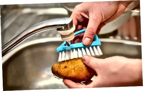 Bulvių valymas